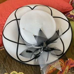 August Accessories Fine Millinery with mesh flower